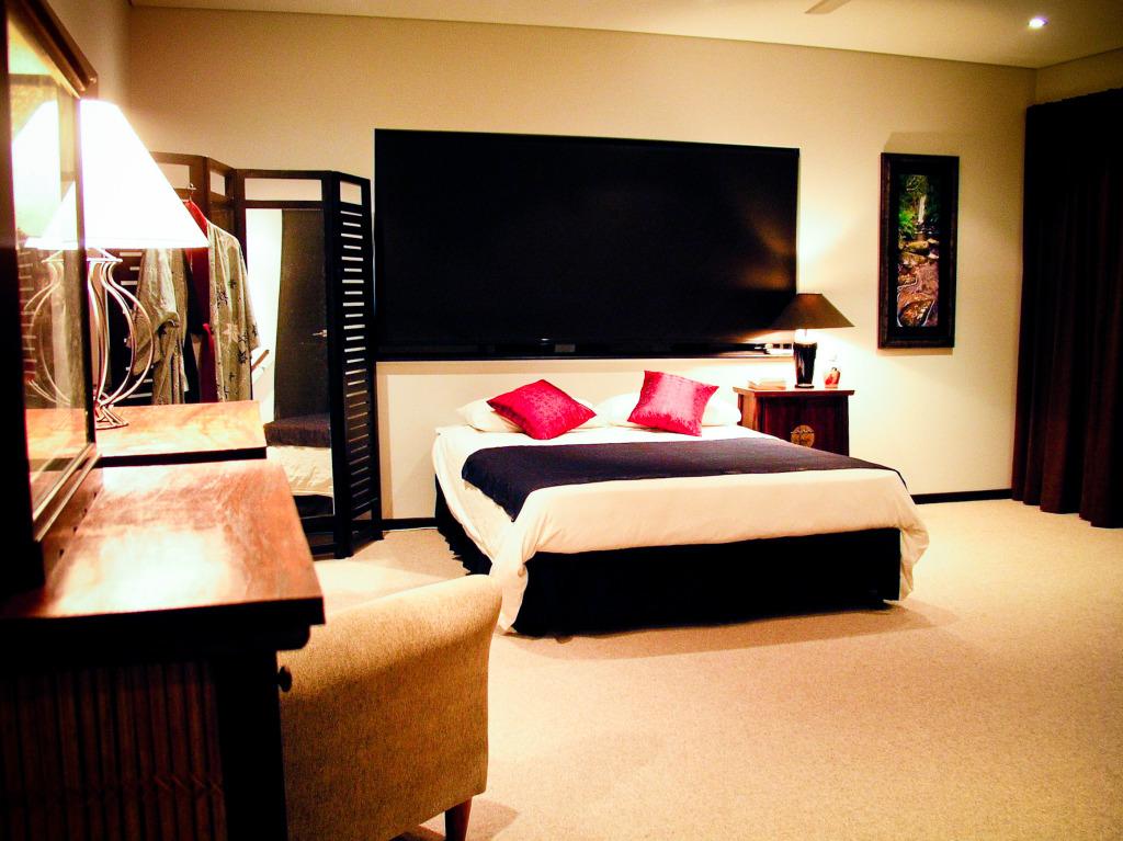 stockvault-bedroom132353